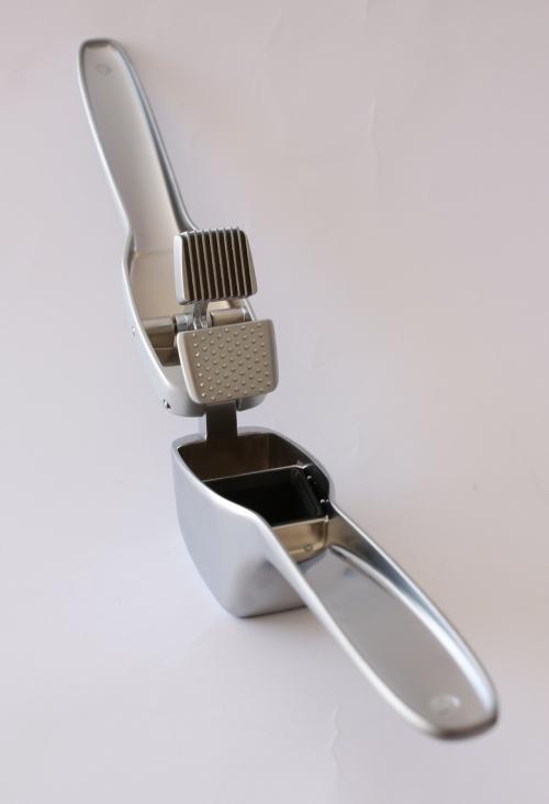 garlic press cutter