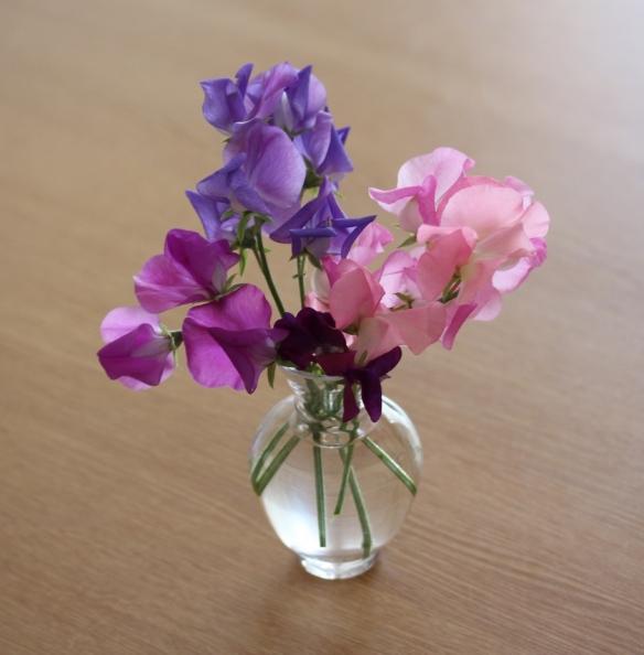 Sweet peas vase